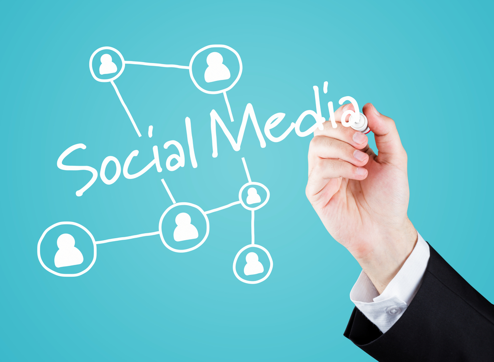 social networking keeping you connected essay Modified student essay social media does more good than harm do you agree today we are bombarded by social media, ranging from blogs and wikis to social.